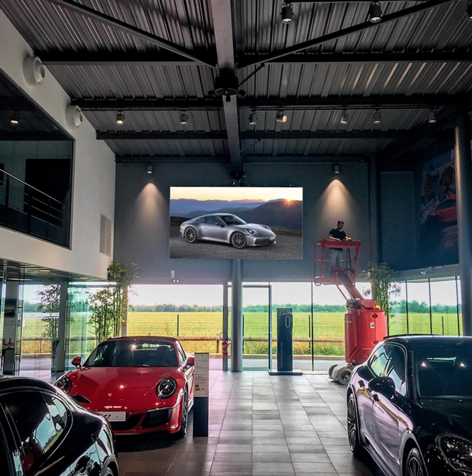 Écran LED intérieur publicitaire Ferrari - Magic Vision