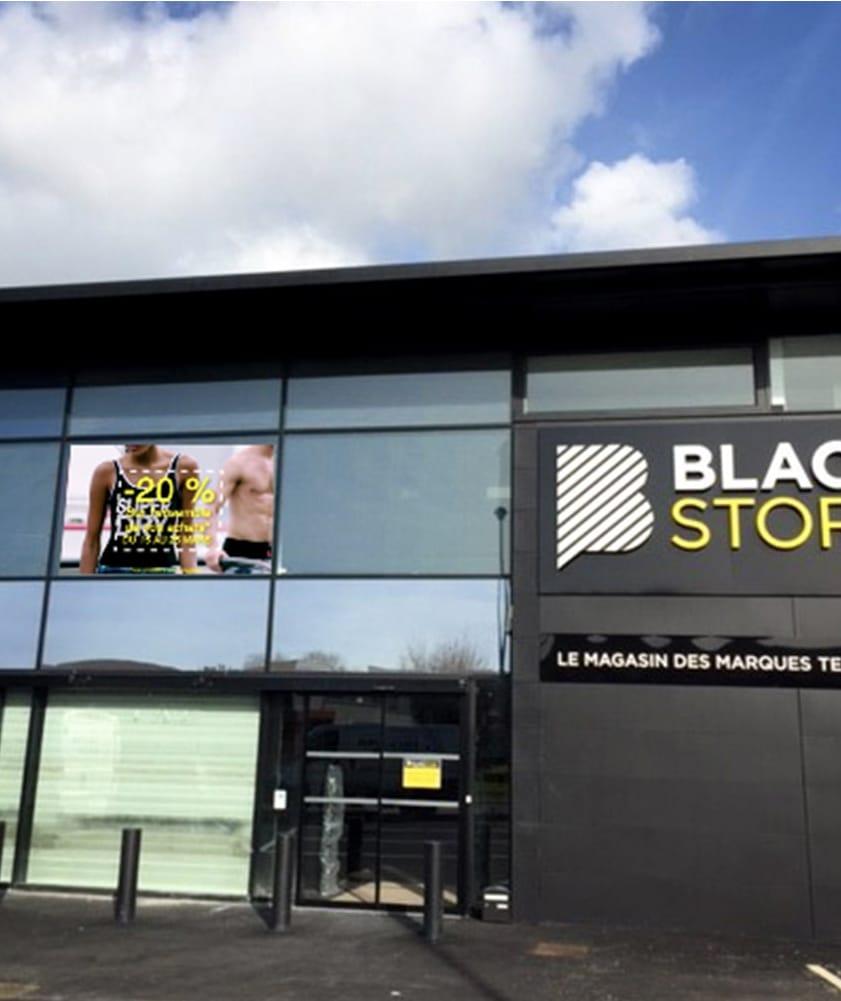Écran led vitrine Blackstore - Magic Vision